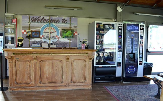 Gazebo attrezzato con distributori automatici per tutte le necessità