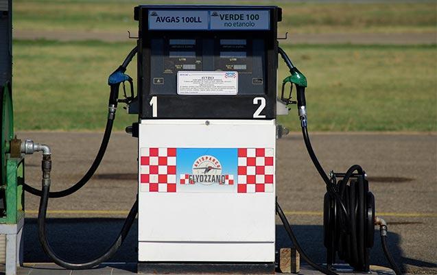 servizio di rifornimento self-service certificato per benzina verde (100 senza etanolo) ed Avgas